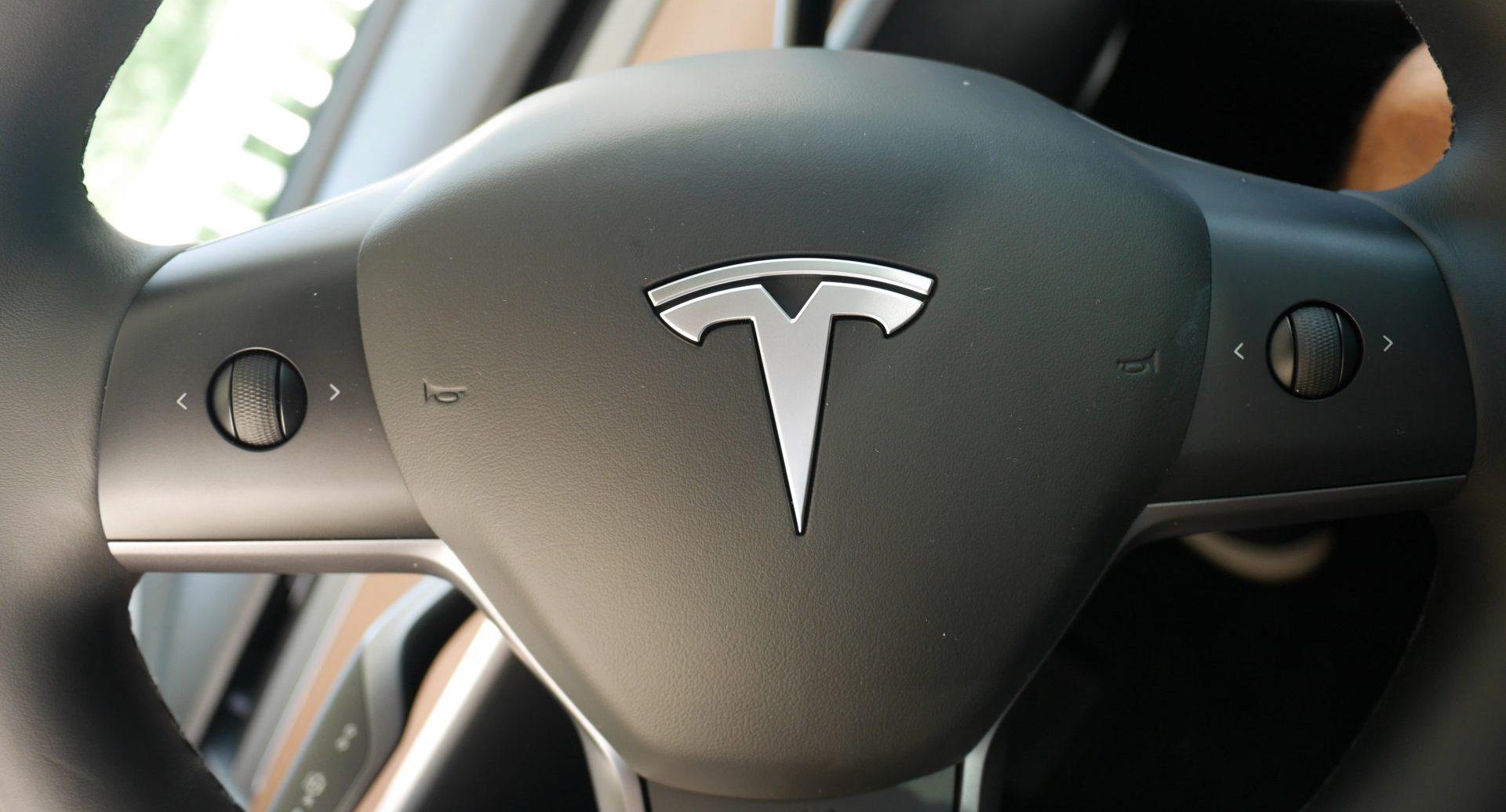 Tesla Model 3 steering