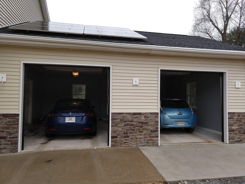 Leaf (WATTUPP), Tesla (R3V)